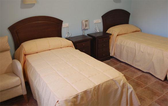 residencia-ancianos-madrid-camas