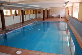 residencia-ancianos-madrid-piscina