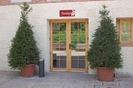residencia-ancianos-madrid-entrada